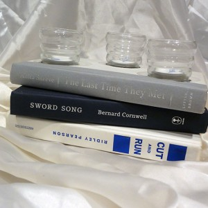book-tea-light-candle-holder-gift