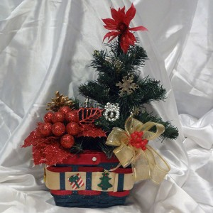 Christmas-mistletoe-basket-ornament